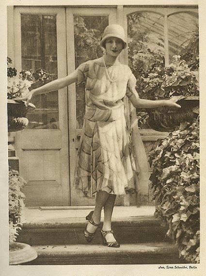anna_pavlova_1920s.jpg
